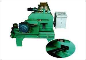 飞锯C型钢成型设备